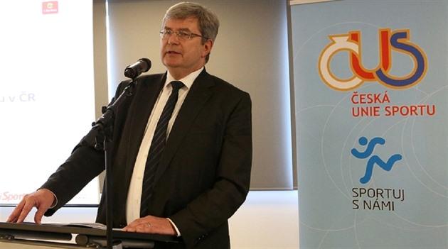 Sport spolkne v neziskovém sektoru stovky milionů. O to se postará i předseda ČUS a dlouholetý vlivný člen ČSSD Miroslav Jansta.