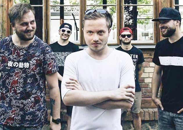 Poetika / V kompletní sestavě, zleva: Ondřej, Tom, Dan, David, Eda #poetikamusic #live #band