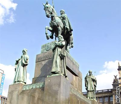 Znalezione obrazy dla zapytania pomnik sv vaclava praha
