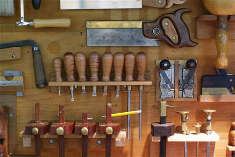 Vybavení dílny a garáže