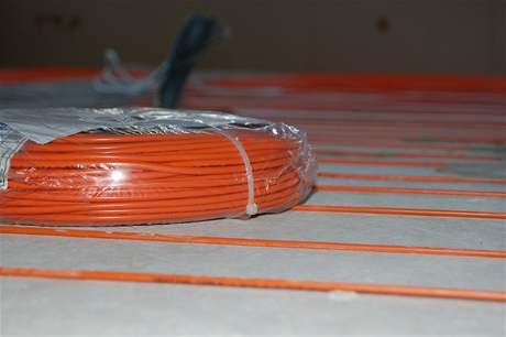 Elektrické podlahové topení svépomocí