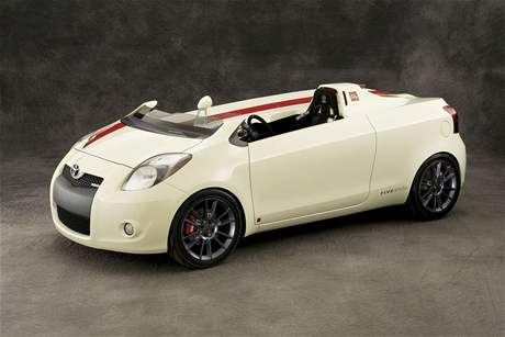 Toyota Yaris Club Concept Five Axis