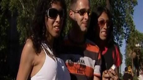 VIDEO  Tisíce gayů v ulicích Buenos Aires slavilo svoji Gay parade c9d1c7589a