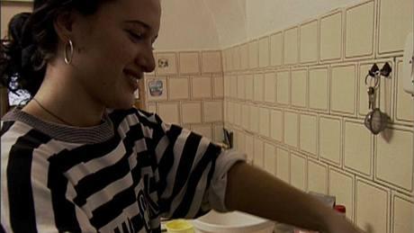 VIDEO  Upoutávka na nový dokument Heleny Třeštíkové Katka b43eb35186