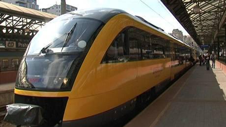 Video Vyjel Prvni Zluty Vlak Student Agency Cestujici Poveze V