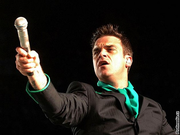 Robbie Williams uva�uje o návratu k Take That. �eká na