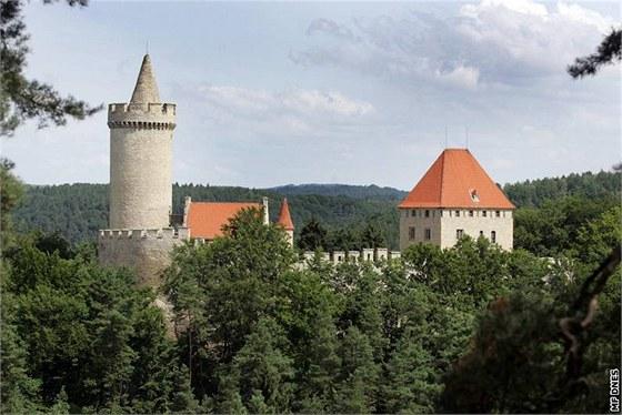 Znalezione obrazy dla zapytania hrad Kokorin Kokořínský důl