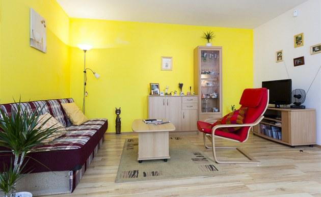 fotogalerie v ob v ku je zpravidla lamin tov podlaha v dez nu d eva. Black Bedroom Furniture Sets. Home Design Ideas