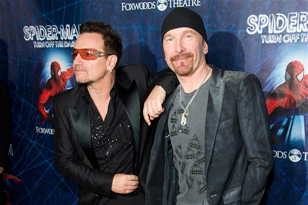 Autoři hudby k muzikálu Spider-Man: Turn Off The Dark a protagonisté skupiny U2 Bono a The Edge