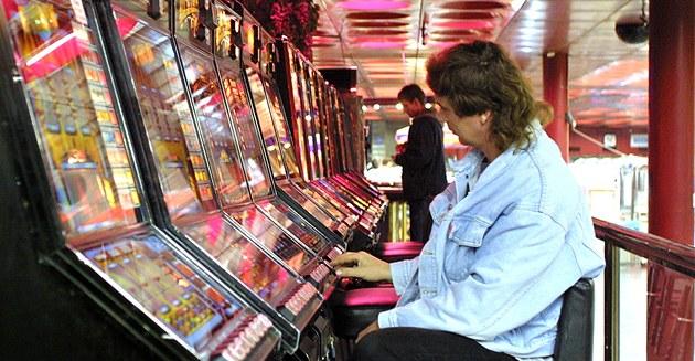 nashe-vremya-internet-kazino-mogut-ischeznut