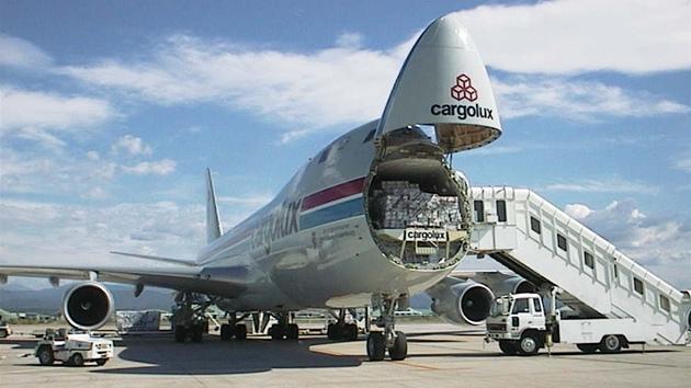 Pohled na typické nakládání 747ky