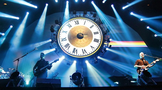 Z p�edstavení Brit Floyd - A Foot In The Door