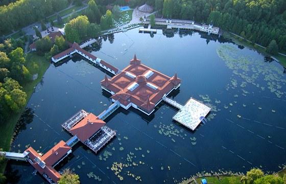 Leteckı pohled na jezero Hévíz
