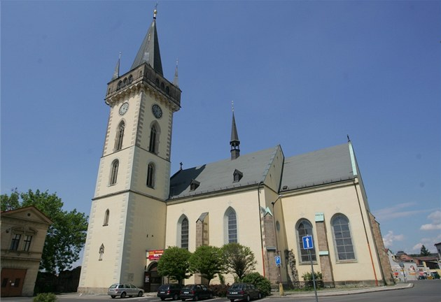 Znalezione obrazy dla zapytania dvur kralove kostel