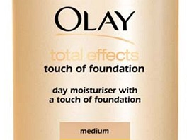 Total Effects Touch of Foundation 7-in-1, Olay, 399 korun