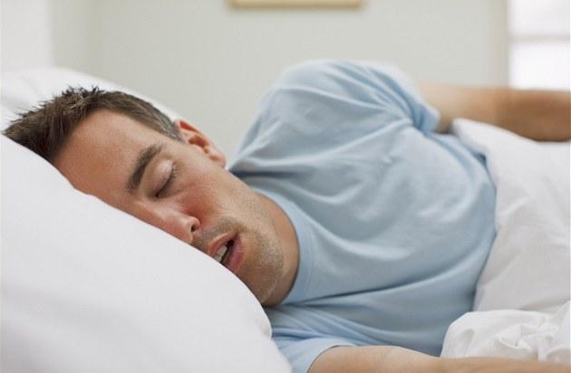 Image result for muž v posteli