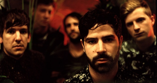 Skupina Foals na Rock for People přivezla desku Holy Fire.