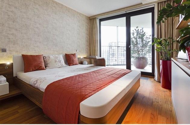 fotogalerie lo nici rodi v vod man elsk postel z teakov ho d eva model mioletto. Black Bedroom Furniture Sets. Home Design Ideas
