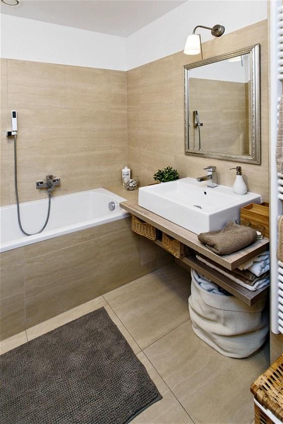 Obklady imitace kamene koupelna
