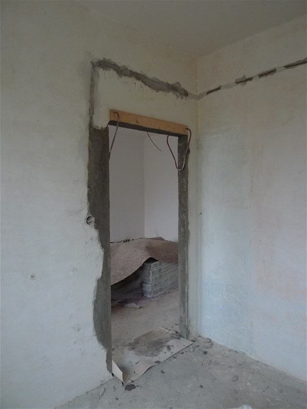 Vybourání otvoru pro dveře