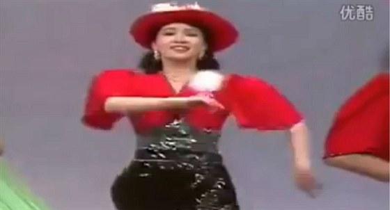 Výsledek obrázku pro severokorejská zpěvačka Hjon Song-wol