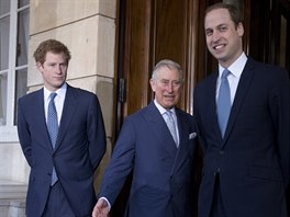 Princ Charles a jeho synové Harry a William (13. února 2014)