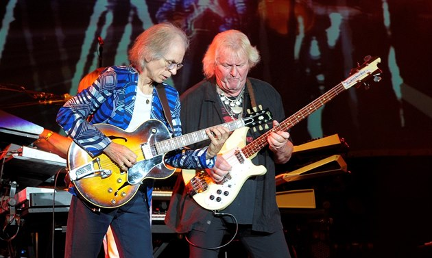 Steve Howe (vlevo) a Chris Squire z kapely Yes