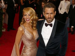 Blake Lively a Ryan Reynolds (New York, 5. května 2014)