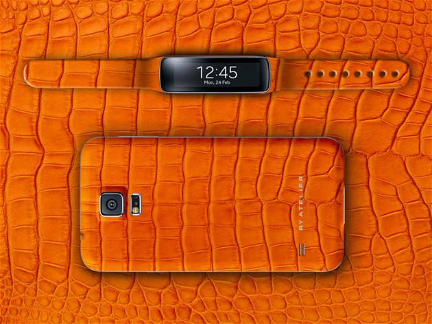 Samsung Galaxy S5 a Gear Fit ve verzi Orange Genuine Alligator od studia By
