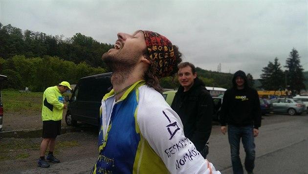 Úspěšní sportovci se před závodem nezatěžují přemýšlením o ostatních závodnících, soustředí se na to, co dokáží kontrolovat