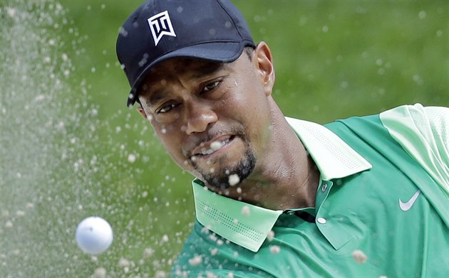 Tiger Woods v 1. kole turnaje Quicken Loans National v Bethesdě.