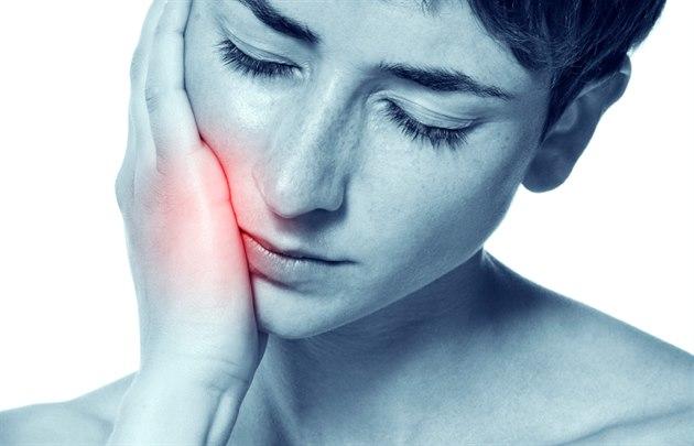 Bolest zubu na skus