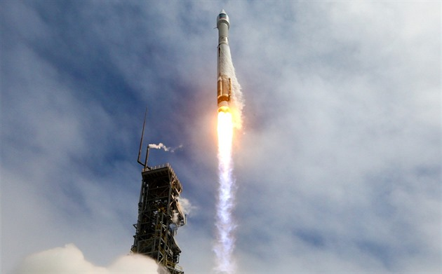 Start rakety Atlas V