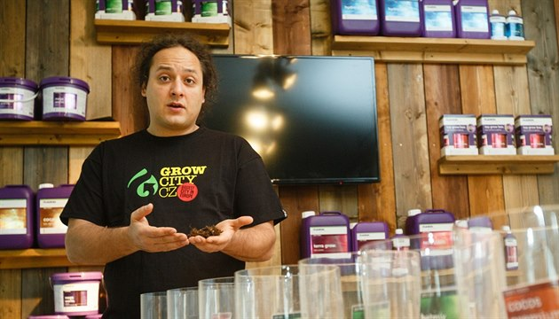 Majitel nejv�t�ího pra�ského growshopu Grow City Michal Otipka