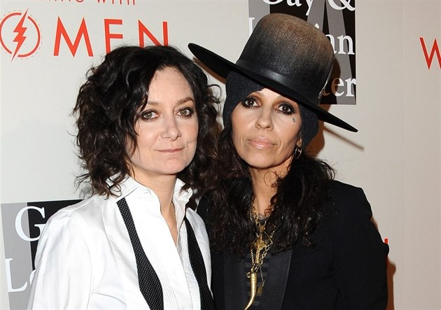 Sara Gilbertová a Linda Perry (Los Angeles, 10. kv�tna 2014)