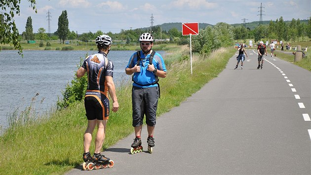 Břeh mostecké vodní nádrže Matylda lemuje 4,12 km dlouhı okruh vhodnı pro cyklistiku, rekreační běh či inline bruslení.