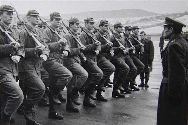 Znalezione obrazy dla zapytania Československá lidová armáda
