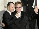 David Furnish a Elton John uzavřeli registrované partnerství ve Windsoru 21....