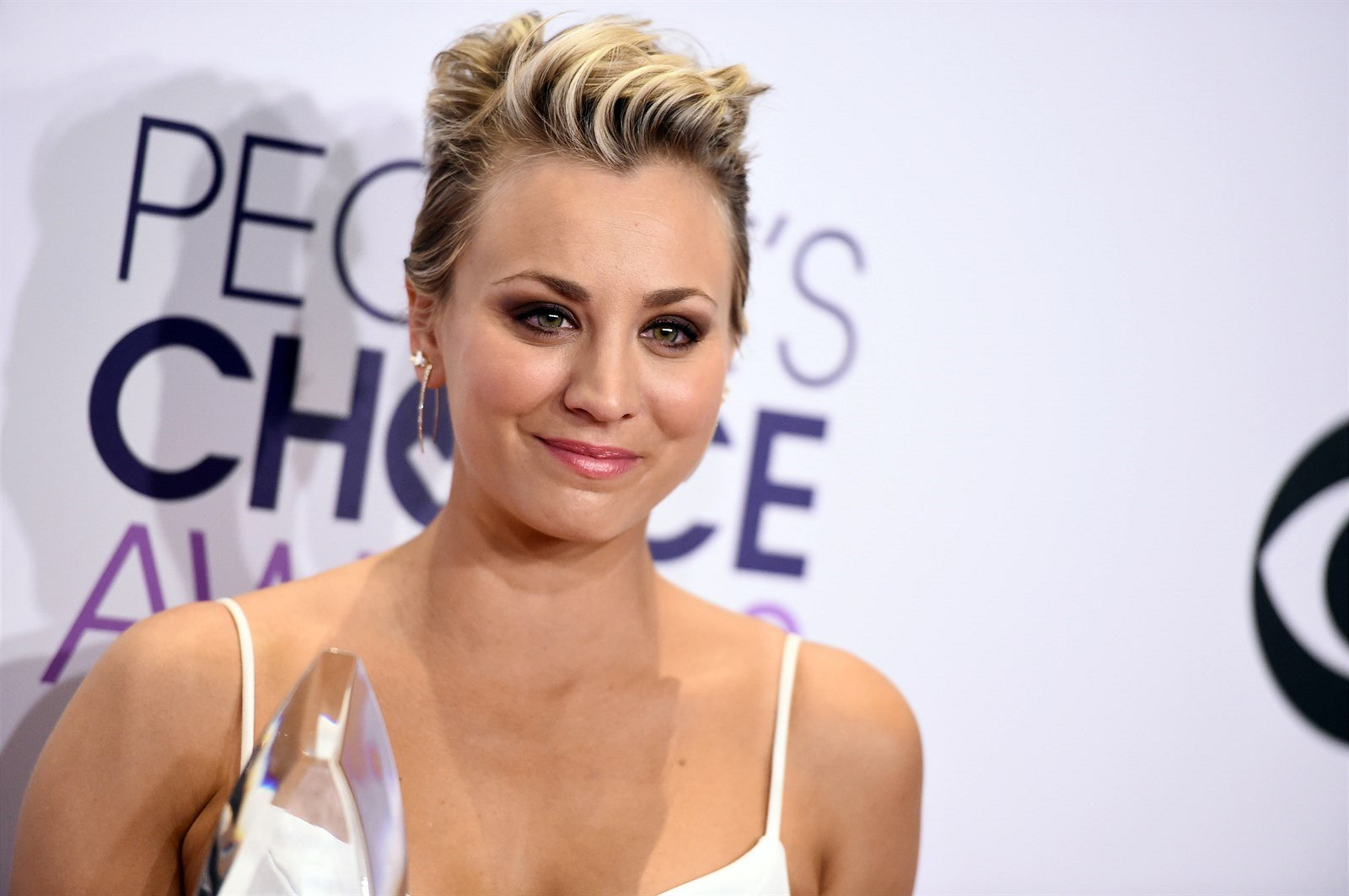 Kaley Cuoco na People's Choice Awards (Los Angeles, 7. ledna 2015)