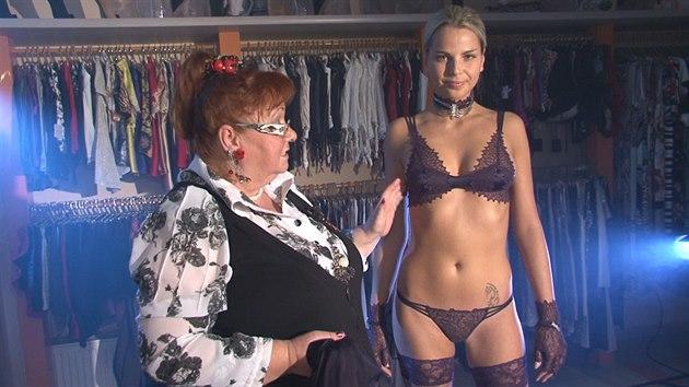 Muži umějí vybrat erotické prádlo mnohem lépe než ženy 2f3e060bd2