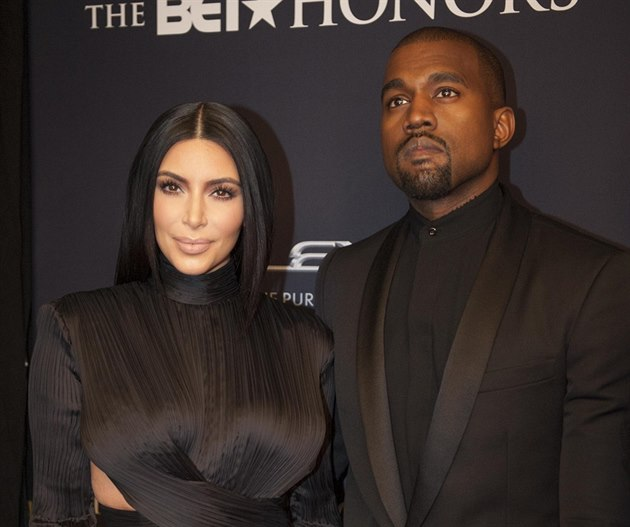 Kim Kardashianová a Kanye West (Washington, 24. ledna 2015)
