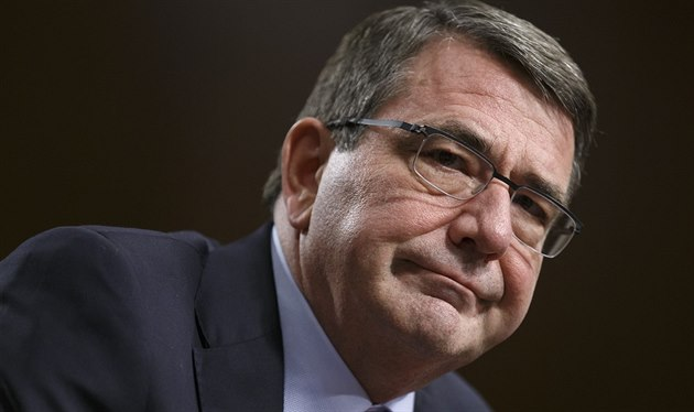 Ashton Carter (4. února 2015).