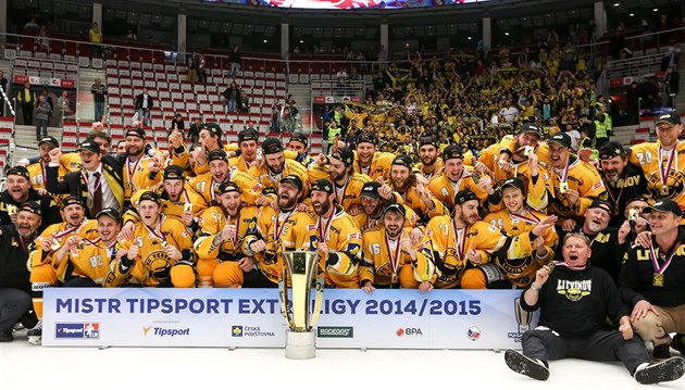 Jakt på Masaryk Cup börjar. Hockey Extraliga rapporter Dag 1