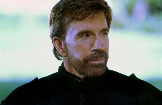 Chuck Norris ve filmu Prezidentův muž 2: Ground Zero