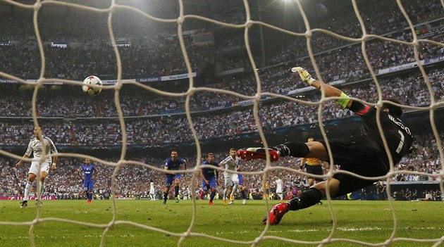Cool máquina. La final de la Champions League será un duelo entre Ronald y Buffon