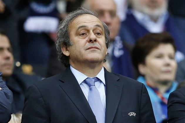 Vi står bak deg, fikk meldingen Platini. Den ble støttet av alle 54 UEFA-landene