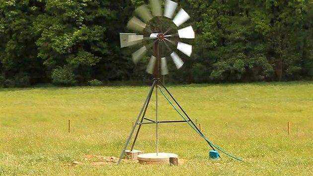 Větrné čerpadlo na vodu