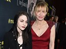 Frances Bean Cobainová a Courtney Love (Los Angeles, 21. dubna 2015)