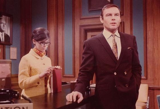 Yvonne Craig a Adam West v seriálu Batman z roku 1966