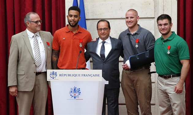 Chris Norman, Anthony Sadler, Francois Hollande, Spencer Stone a Alek Skarlatos...